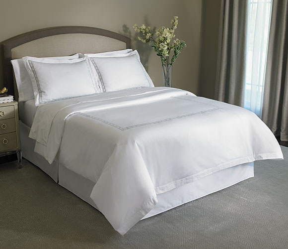 Diamond Border Bed & Bedding Set