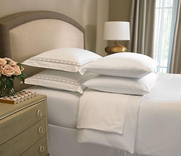 The Ritz Carlton Hotel Shop Diamond Border Linen Set