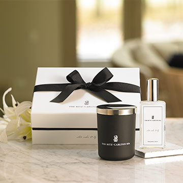 The Ritz-Carlton Spa White Amber & Lily Gift Set