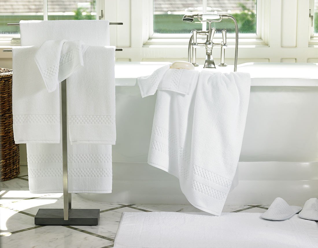 Towels in bathroom for Bathroom ideas for towels