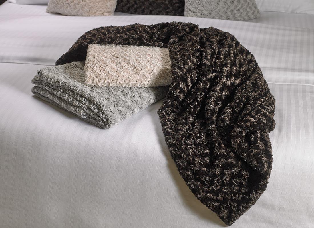 ritz carlton hotel shop throws luxury hotel bedding linens
